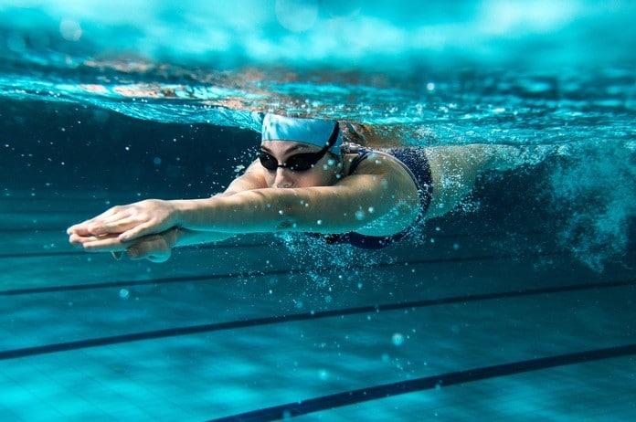 schwimmen abnehmen beitragsbild